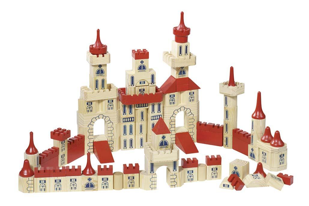 castelul-din-lemn-goki