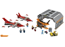 Parada de aviatie pe aeroport (60103) - LEGO City