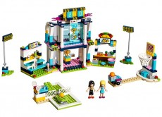 Stadionul lui Stephanie (41338) - LEGO Friends