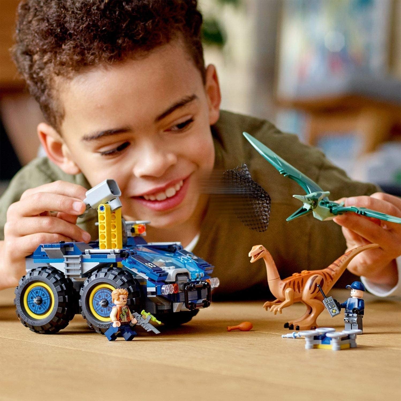 LEGO_Jurassic_World_Evadarea_lui_Galilmimus_si_Pteranodon_LEGO_75940_4